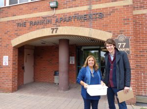 MPP Cristina Martins delivers Meals to 77 Rankin